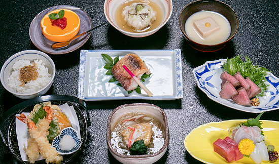 1 night stay + Kaiseki dinner + Breakfast